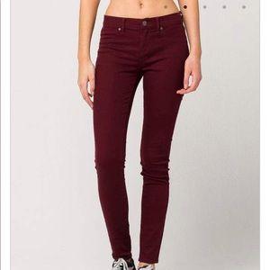 SIZE 0 Maroon Jegging Skinny Jeans